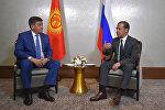 Өкмөт башчы Сооронбай Жээнбеков Астана шаарында Россиянын премьер-министри Дмитрий Медведев менен жолугушуу уручунда