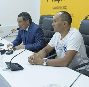 Пресс-конференция на тему Проехать 450 километров вслепую: до Бишкека добрались незрячие веломарафонцы