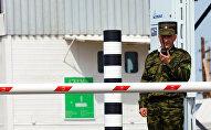 Пограничники России на границе с Казахстаном. Архивное фото