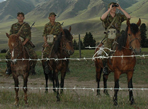 Сотрудники пограничной службы Казахстана во время дозора