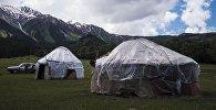 Юрты на джайлоо в Иссык-Кульской области. Архивное фото