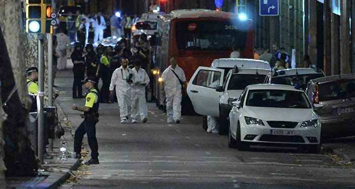 Один человек умер, восемь отправлены вбольницу после нападения неизвестного сножом вТурку