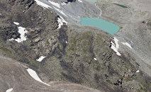 Обследование высокогорных озер в Чуйской области. Архивное фото