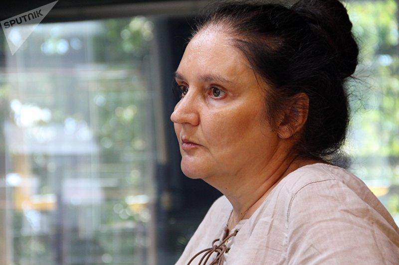 Профессор журналистики из Бишкека живущая в США Светлана Куликова во время интервью Sputnik Кыргызстан