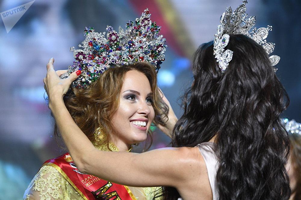 Россия айымы — 2017 сынагынын жеңүүчүсү Полина Диброва