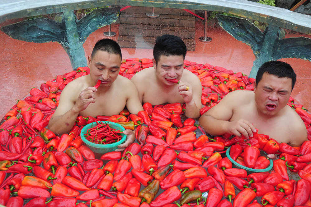 Кытайдын Хунань провинциясындагы ачуу калемпир жегендердин мелдеши