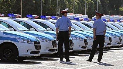 Казакстандын жол кызматынын полиция кызматкерлери. Архив