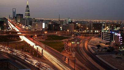 Вид на Королевскую башню и башню Аль-Фаилия в Эр-Рияде. Архивное фото