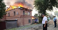 Пожар на территории жилого сектора в Ростове-на-Дону.