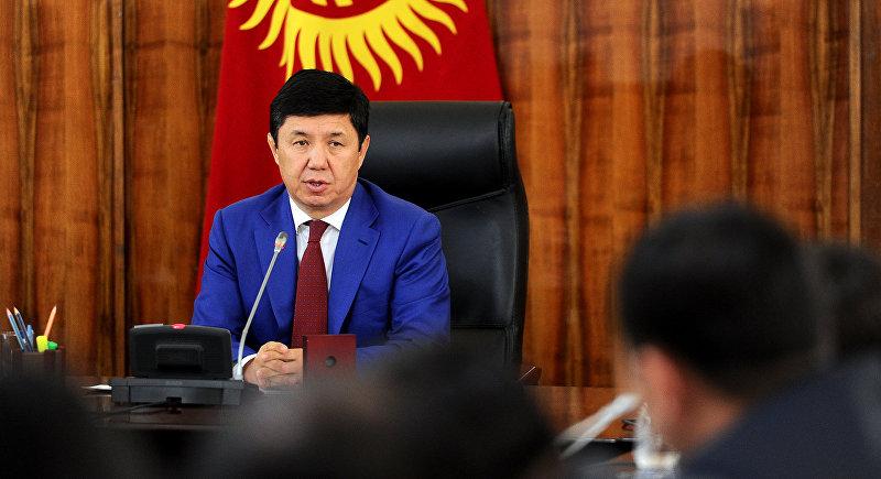 Премьер-министр Темир Сариев во время совещания по вопросам безопасности и укрепления государственной границы