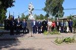 В селе Капыревщинское Смоленской области открыли мемориальную доску в память об Исмаилбеке Таранчиеве и Алексее Ткачеве