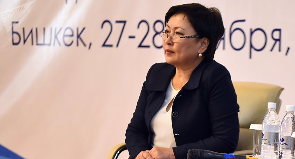 Билим берүү жана илим министри Гүлмира Кудайбердиева. Архив