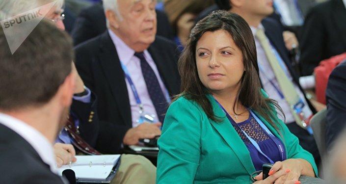 Симоньян проинформировала о вероятном уходе канала RT изсоедененных штатов
