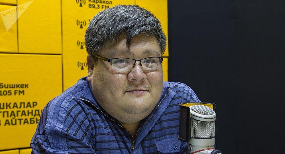 Директор компании Дыйкан плюс Улар Омор Эшбото во время интервью на радио Sputnik Кыргызстан