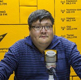 Предприниматель-производственник Улар Омор Эшбото во время интервью на радио Sputnik Кыргызстан