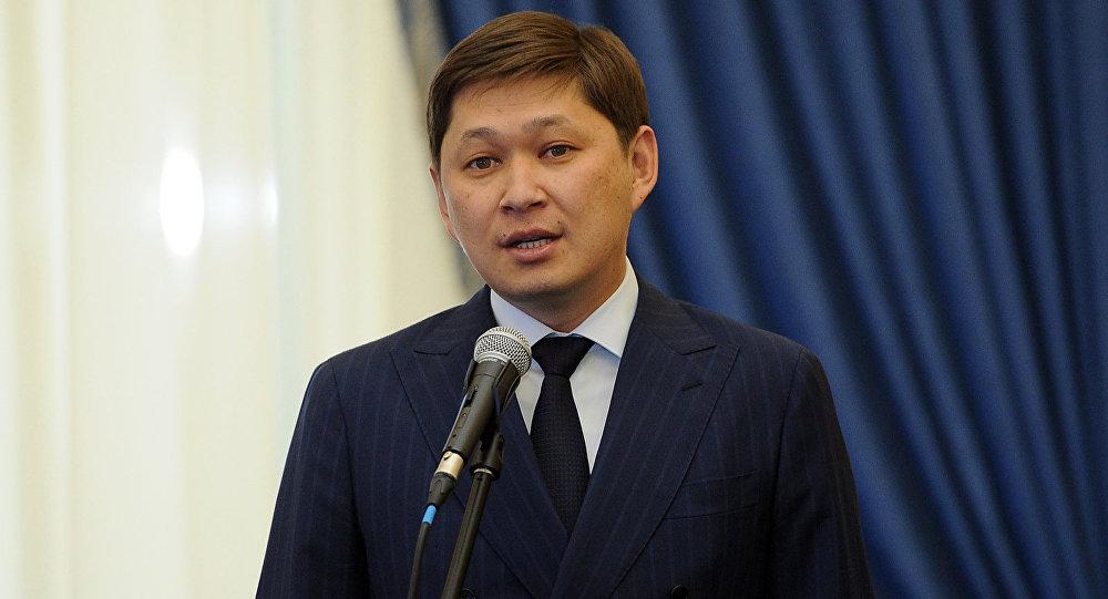 Премьер-министр Сапар Исаковдун архивдик сүрөтү