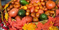 Овощи на выставке продуктов питания. Архивное фото