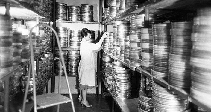 Открытие первого агентства центрального государственного архива в КР