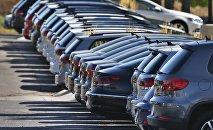 Автомобили выставленные на продажу. Архивное фото