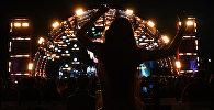 Девушка в ночном клубе. Архивное фото