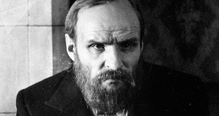 Анатолий Солоницын в роли Федора Достоевского