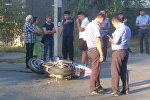 Бишкек шаарындагы Элебаев менен Карасаев көчөлөрүнүн кесилишинен мотоцикл айдаган кишини унаа койдуруп кеткен