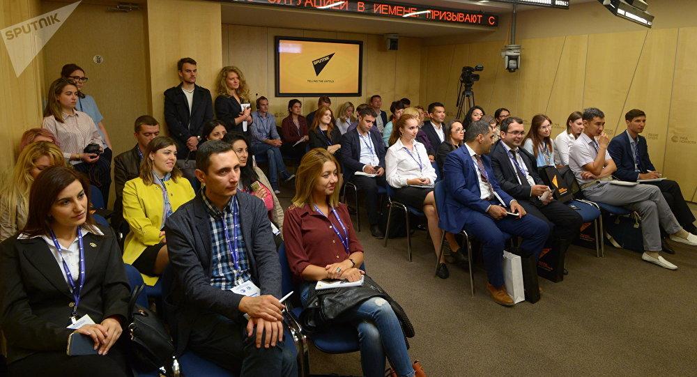 Sputnik эл аралык маалымат агенттиги жана радиосунун жаш журналисттер үчүн кезектеги окуусу башталып, ал 7-сентябрга чейин уланат