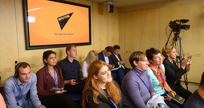Мектептин сентябрдык сессиясы КМШ жана Балтика өлкөлөрүнүн ошондой эле Грузия мамлекетинин жаш журналисттерине багытталган