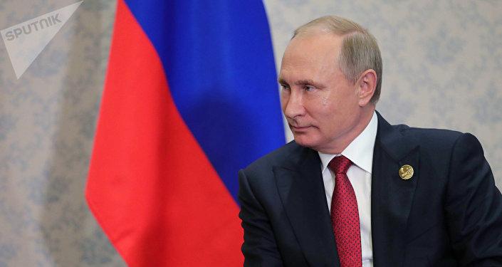 Архивное фото президента РФ Владимира Путина