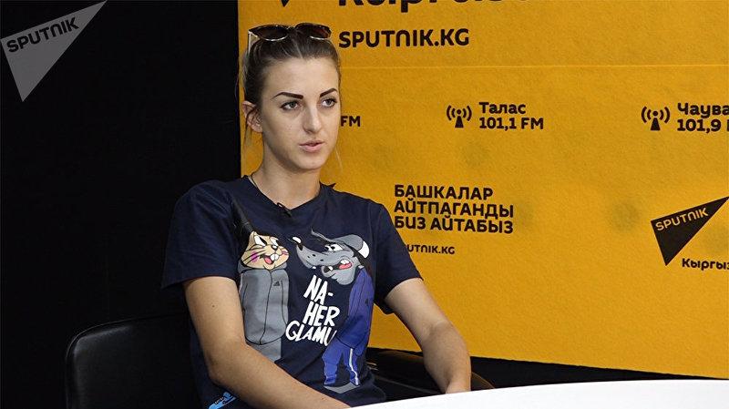 Юлия — сестра мотоциклиста, погибшего 19 августа в ДТП в центре Бишкека