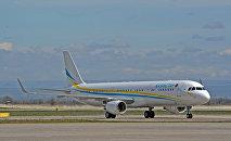 Самолет на котором прибыл президент Республики Казахстан Нурсултан Назарбаев в Кыргызскую Республику. 14 апреля, 2017 года