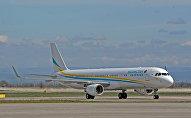 Самолет в эаропорту. Архивное фото