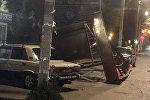 Падение остановки на улице Токтогула в Караколе