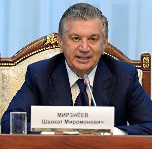 Президент Узбекистана Шавкат Мирзиёев, прибывшим в КР с государственным визитом