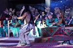 Ачык асман алдындагы дене бойду титиреткен концерт