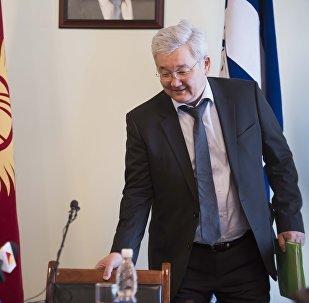 Улуттук банктын төрагалыгына дайындалган Кубанычбек Кулматовдун архивдик сүрөтү