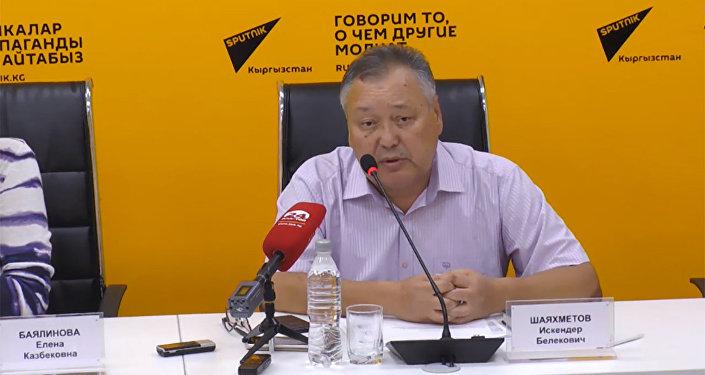 Скорую в Бишкеке чаще всего не пропускают маршруточники — Шаяхметов