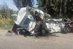 Жесткое столкновение микроавтобуса и автомобиля Daewoo Matiz на трассе Ош — Кара-Суу