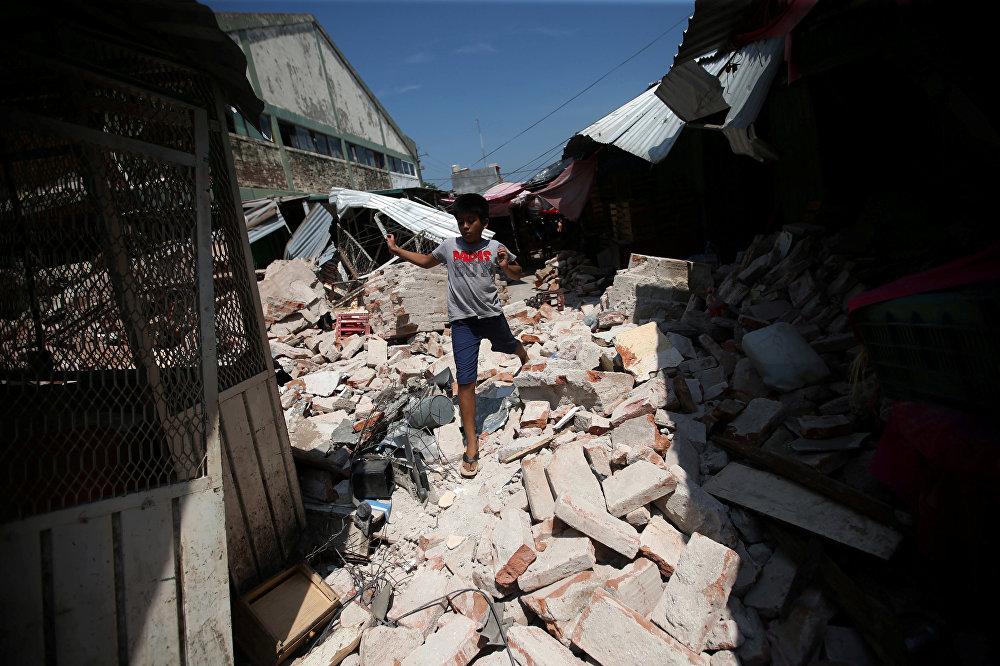 Мексиканын Оахака штатындагы жер титирөөнүн кесепети. Акыркы маалыматтар боюнча жаратылыш кырсыгы 71 кишинин өмүрүн алган