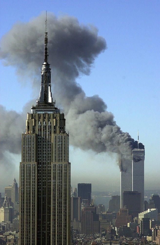 Северная башня после удара простояла 102 минуты, южная продержалась 56