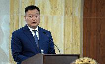 Экс-вице-премьер Дүйшөнбек Зилалиевдин архивдик сүрөт