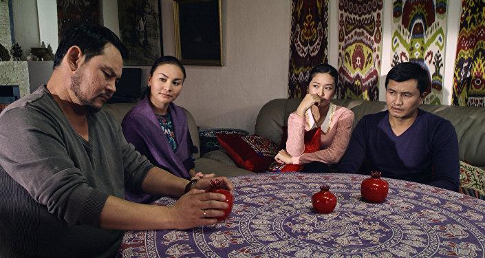 Режиссер Таалайбек Кулмендеевдин Мунабия тасмасынан кадр