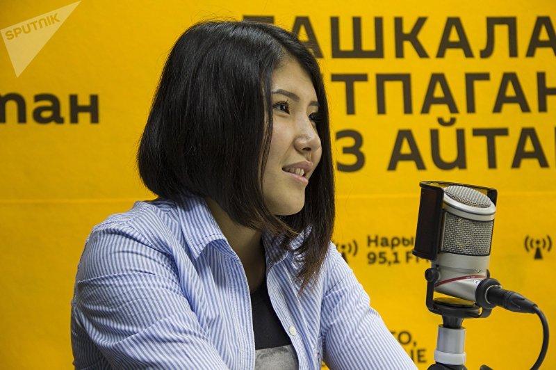 Боец смешанных единоборств Барчынай Узгенбаева во время интервью Sputnik Кыргызстан