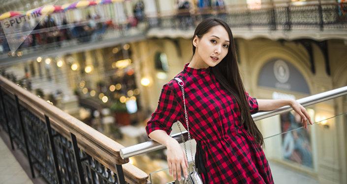 Кырыгзстандын модель жана актриса Мээрим Атантаева. Архив