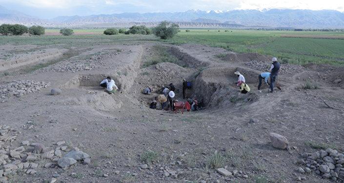 Городище Кочкор-Башы было основано в XI веке