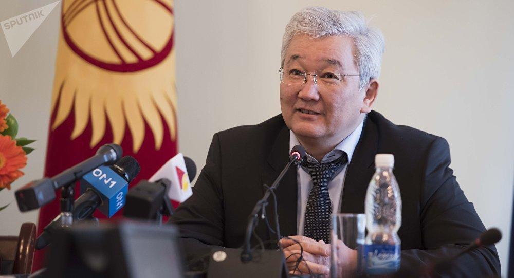 Архивное фото бывшего мэра Бишкека Кубанычбека Кулматова