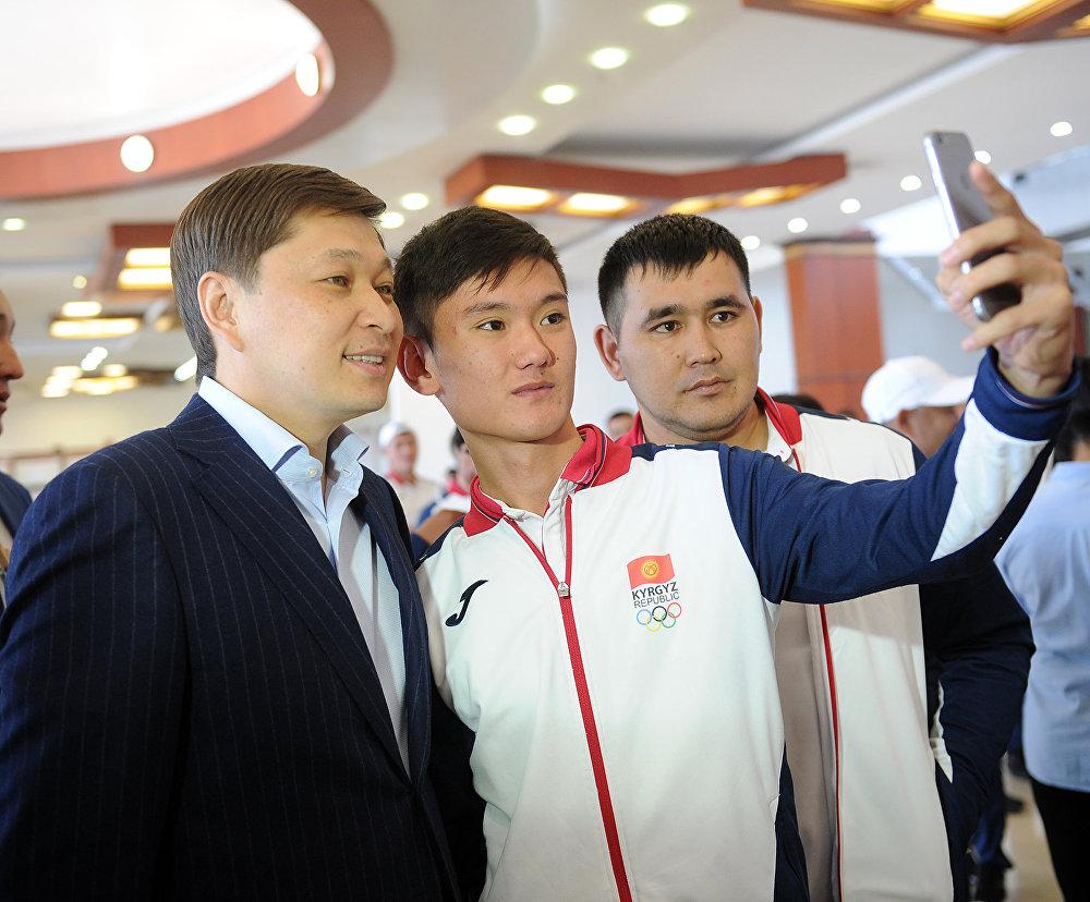 Торжественная церемония проводов спортивной делегации Кыргызстана для участия в V Азиатских играх