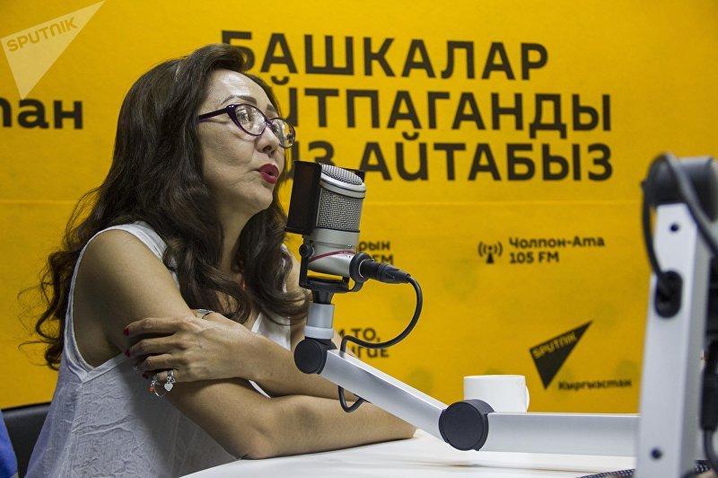 Артистка театра и кино, заслуженная артистка Кырыгзстана Шайыр Касымалиева во время интервью Sputnik Кыргызстан