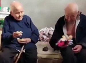 Вы поверите в вечную любовь — кадры из жизни 101-летних супругов в Китае