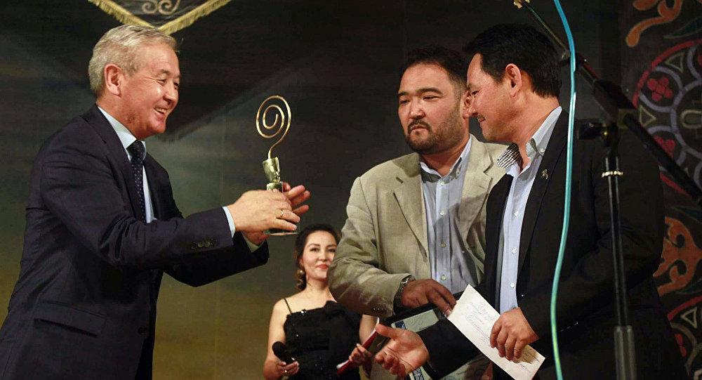 Кыргызстанда өткөн VI эл аралык ART-ORDO фестивалында Токтоболот Абдымомунов атындагы Кыргыз улуттук драма театры Тумар ханыша спектакли менен баш байгеге ээ болгонун аталган